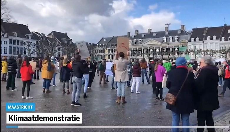 Enkele honderden demonstranten voor klimaat in Limburg