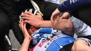 Ontketende Mathieu van der Poel pakt in ware wielerthriller vijfde rit Tirreno