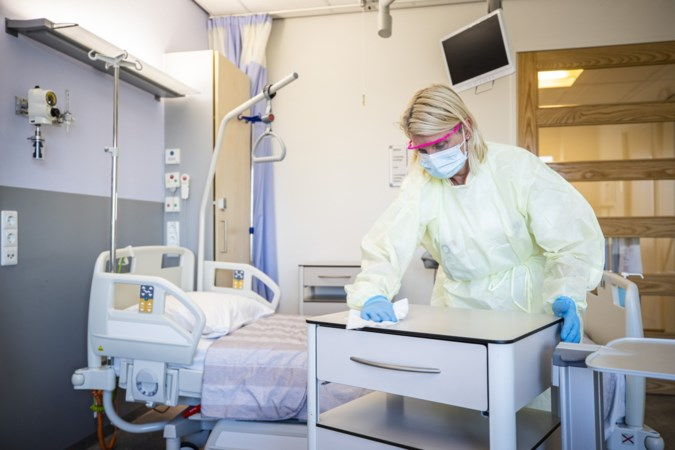 Langzaam dient de derde coronagolf zich aan in de Limburgse ziekenhuizen