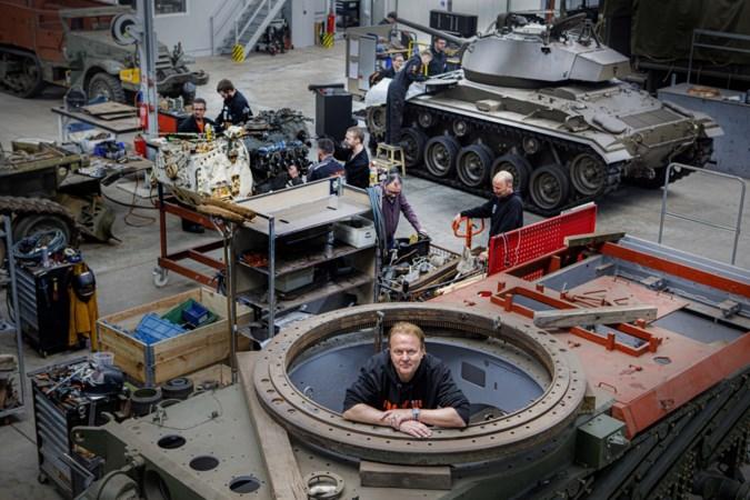 Eerst hobby, nu miljoenenbusiness: Ivo Rigter en zoon Ivo junior sleutelen aan en verkopen tanks vanuit Nederweert