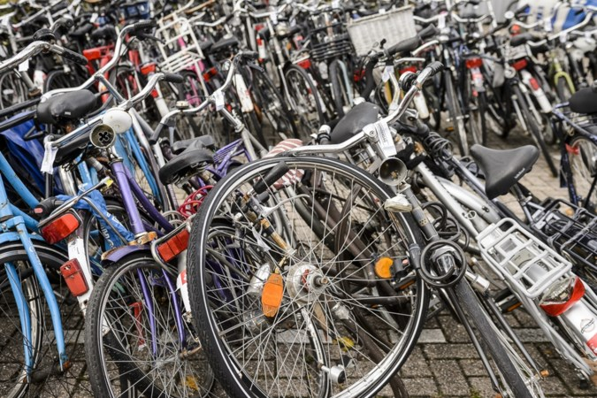 Gezin uit Siebengewald moet dwangsom betalen vanwege 'honderd fietsen' in de tuin