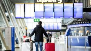 Nog steeds fors minder passagiers luchthaven Schiphol
