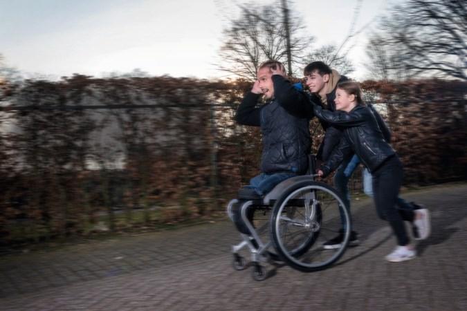 Deze Limburgse kinderen hebben een ouder met een beperking: 'Ik heb pap nooit anders gekend dan in een rolstoel'