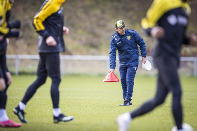Luhukay toont zijn passie voor VVV: 'Ik was voor geen andere club tussentijds ingestapt'