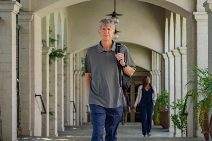 Recensie van documentaire over toelatingsfraude: onthutsend beeld van de rijken der aarde die doorschieten in hun ouderliefde en gewetenloze fraudeurs worden