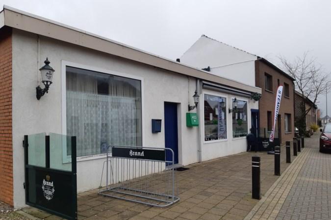 Kiezer terug naar het verleden bij stembureau in nostalgisch café in Susteren: 'De tijd dat ik nog niet getrouwd was'