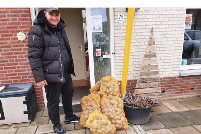 Een Shetlandpony aan aardappelen voor Dierenvoedselbank
