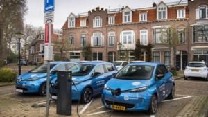 De toekomst is aan de elektrische deelauto, een batterij op wielen