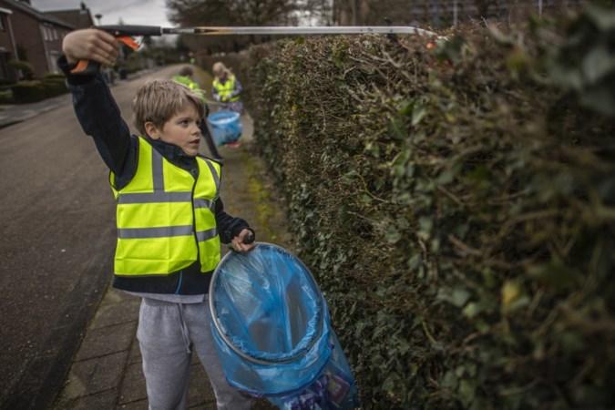 Steeds meer mensen ruimen vrijwillig zwerfafval op: 'Noem ons idioot, maar we zorgen wel voor een schonere wereld'