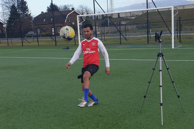 Column: Voetbalheld uit Linne ziet waarschijnlijk nooit meer zijn ouders in Eritrea