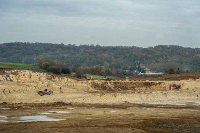 Verzet tegen uitbreiding groeve Romont groeit: 'We vrezen voor diepe put met verbodsborden eromheen'