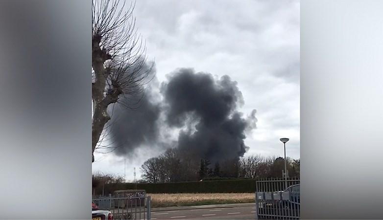 Brand in Landgraaf gaat gepaard met enorme rookontwikkeling, maar de schade valt uiteindelijk mee