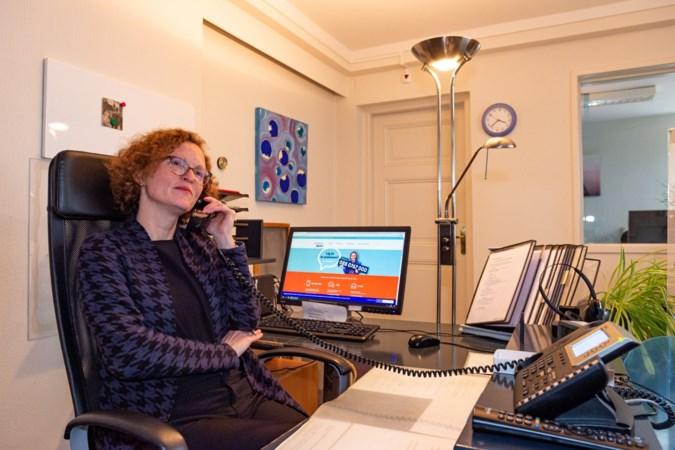Telefoontjes naar de Luisterlijn gegroeid: 'Wij zijn een levend dagboek voor mensen die bellen'