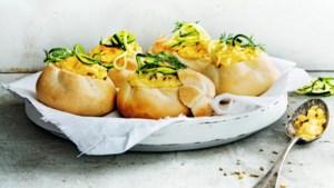 Maak van je paasontbijt een feestje met deze heerlijke broodjes venkelroerei
