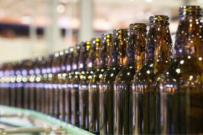 Cao-akkoord bij glasfabriek O-I Maastricht na stakingen: personeel krijgt in totaal 3,5 procent meer loon