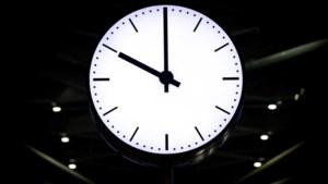 Commentaar: De omstreden avondklok is een ruilmiddel in het op- en afschaalcircus van coronamaatregelen geworden