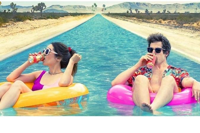 Filmrecensie 'Palm Springs': hoe geef je kleur aan de sleur van het leven?