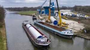 Duurzaam transport van windmolens Ospeldijk over water
