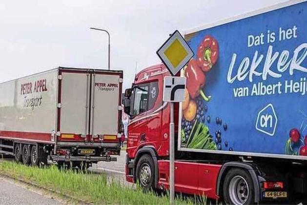 Vrachtwagenchauffeurs in actie bij distributiecentra Albert Heijn om looneis