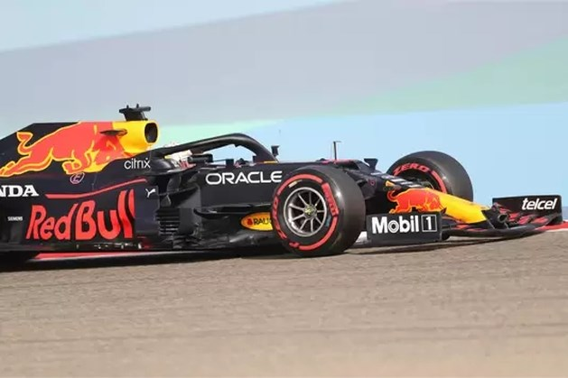Max Verstappen twee keer de snelste: 'Blij met deze dag'