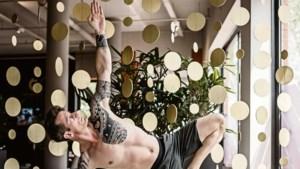 Column: Een man op een yogamatje is een watje, of anders wel zo'n veganistische geitenwollensokkenhippie