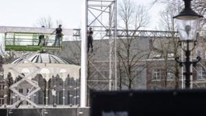 Operatie The Passion in Roermond in volle gang: 'Ja, dit kon er ook nog wel bij, die hekken voor de deur'