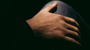 Man uit Neer (50) krijgt taakstraf van 240 uur voor het jarenlang plegen van ontucht met de dochter van zijn vriendin