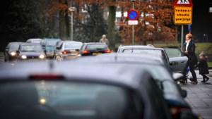 Commotie rond vernieuwde maar 'bloedlinke' weg langs stadspark in Sittard: 'Wachten op ernstige ongelukken'