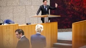 Kijk live: Rutte zakt dieper weg in problemen