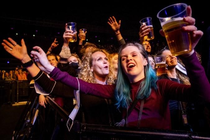 Songfestival tóch met publiek: 'Bedoeling om deelnemers uit 41 landen bij elkaar te brengen'