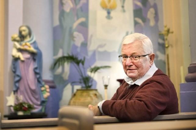 Pleintje in dorpshart van Reijmerstok wordt officieel vernoemd naar wijlen pastoor René Graat