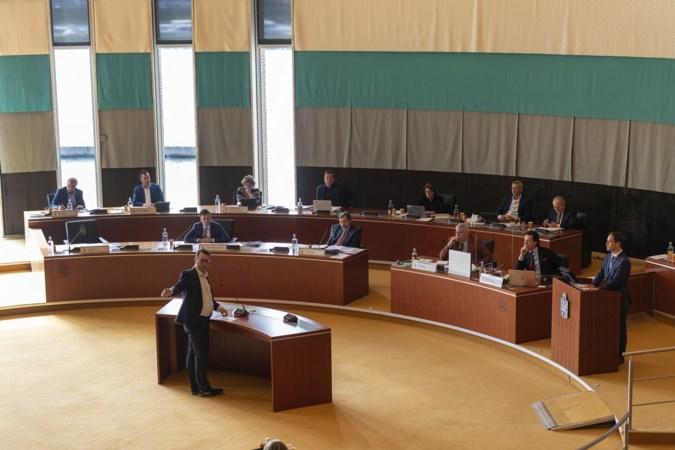 Limburgse politiek laat gedeputeerden en gouverneur nog weekje bungelen