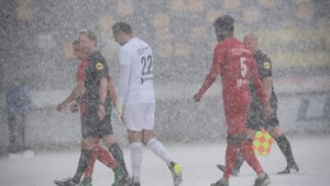 Duel tussen Roda en Almere gestaakt vanwege flinke sneeuwbui