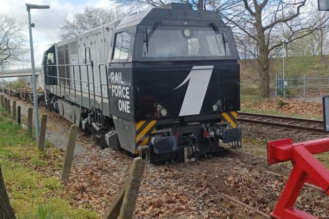 Locomotief ontspoort na aanrijding met stootblok in Venlo