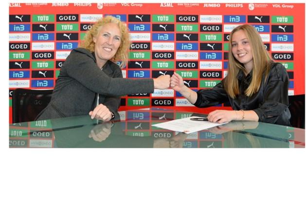 Janou Levels (Herten) nog drie jaar langer bij PSV Vrouwen