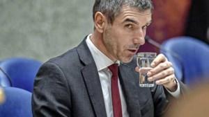 Blokhuis ziet heil in minimum alcoholprijs, duurdere sigaretten en suikertaks