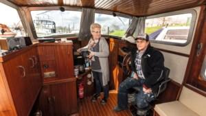 De Duitse Britta en Jörg voelen zich helemaal thuis op hun boot in Ohé en Laak: 'Nederland is qua vaarwegen mega'