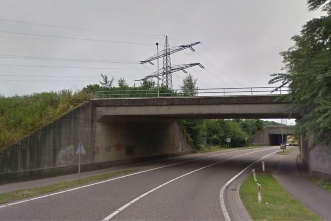 Viaduct dat naar gevallen soldaat uit Urmond vernoemd zou worden, ligt buiten gemeentegrens