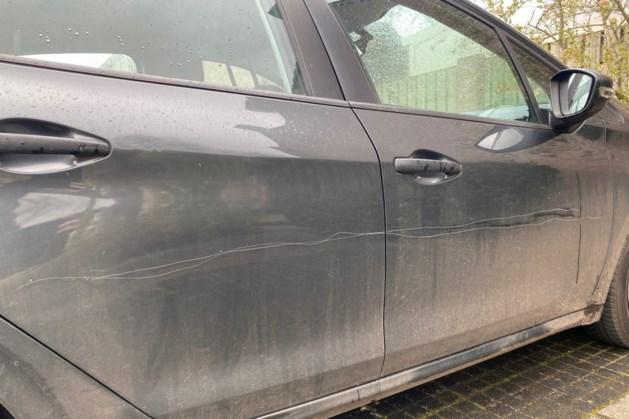 Meerdere auto's beschadigd in America