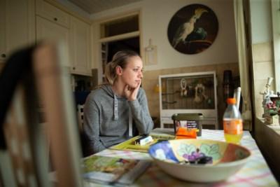 Tahnee (24) uit Holtum vastgebonden en mishandeld bij brute woningoverval: 'Ik doe nauwelijks een oog meer dicht'