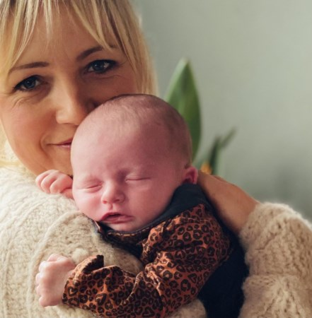 De 90 spruiten van 'Boer zoekt Vrouw': Tante Yvon gaat op bezoek bij de baby's
