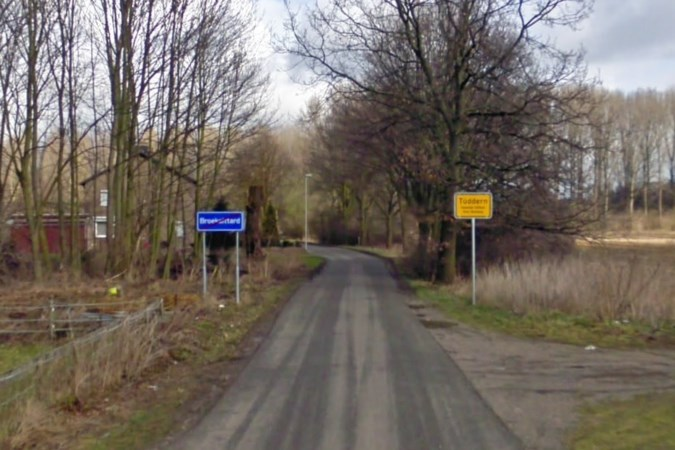 Duitsers sluiten straat naar Broeksittard af om meer afvaldumpingen te voorkomen