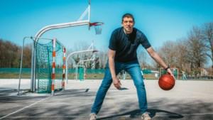 Basketbalcoach Varagic moest kiezen tussen een twee- of drieling: 'Na de bevalling was mijn vrouw acht kilo lichter'
