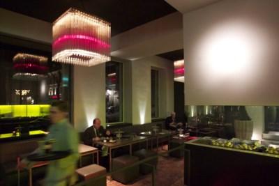 Hotels blijven leeg: 'Welk probleem wordt er opgelost met diner op kamer?'