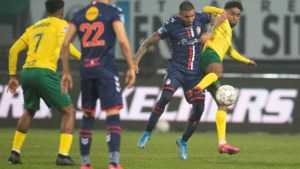 Twee penalty's en een rode kaart worden Fortuna fataal tegen Emmen