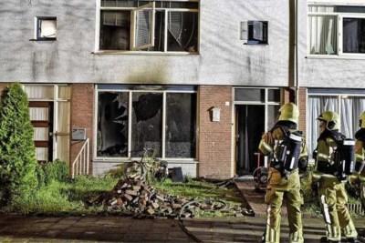 Vader redt dochters uit brandende woning, agent ontroerd: 'Angstige blik in hun ogen'