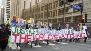 Agent doodt zwarte man in Minnesota na protest tegen politie