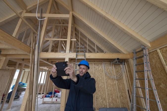 Docent bouwtechniek filmt en vlogt bouw van huis: 'Je vertelt een verhaal en dat spreekt leerlingen aan'