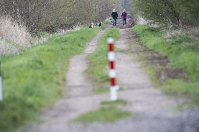'Smokkelstraatje' tussen Broeksittard en Tudderen dicht vanwege zwerfvuil? 'Goed plan!'