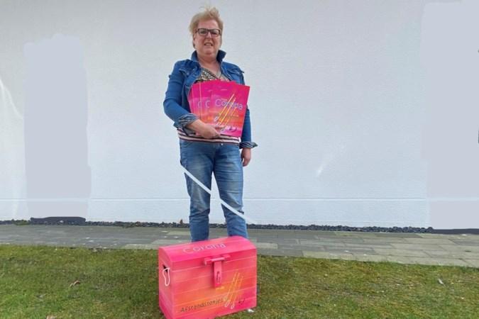 Juf Doreth uit Nieuw Bergen maakt vliegend debuut als kinderboekenschrijfster met 'Tante Corona'